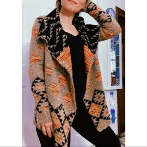 Women's Aztec multicolored sweater cardigan!